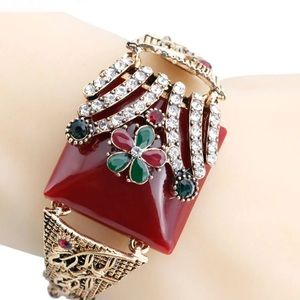 Jewelry - Blossoming Flower Cuff
